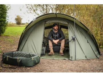 Начинающему рыболову нужна удочка и палатка